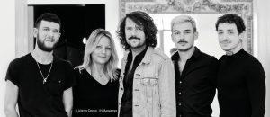 L'équipe de David Lucas dans son salon à Bordeaux